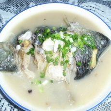 葱花鲫鱼汤