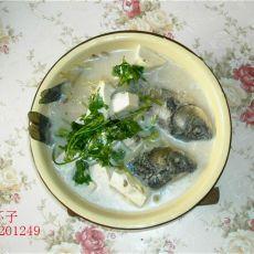 家常鲫鱼豆腐汤的做法
