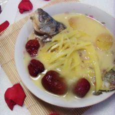 红枣鲫鱼汤的做法