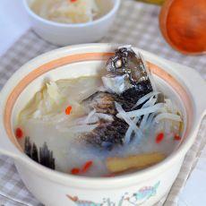 砂锅鲫鱼白萝卜汤