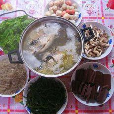 鱼汤火锅的做法