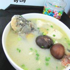 鲫鱼香菇豆腐汤的做法