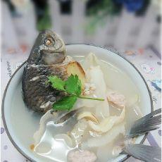 清补凉鲫鱼汤