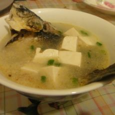清蒸鲫鱼豆腐汤