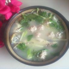 砂锅鲫鱼肉丸煲