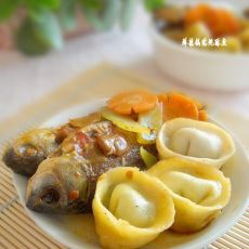 鲜辣锅贴炖酥鱼