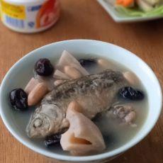 莲藕鲫鱼汤
