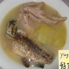 木瓜鲫鱼鸡脚汤的做法