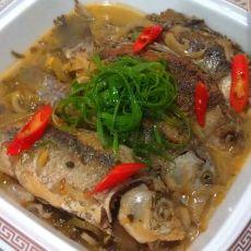 酸香炖鲫鱼