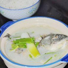 芹菜鲫鱼汤的做法