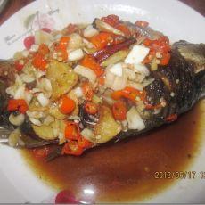 指天椒烧鲫鱼的做法