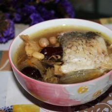 北芪鲫鱼汤的做法