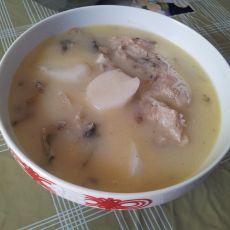 淮山鲫鱼汤