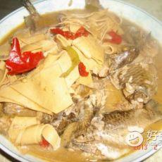 鲫鱼炖干豆腐