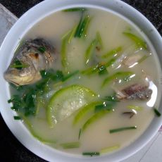 奶白鲫鱼节瓜汤