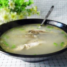 鸡油浓香鲫鱼汤