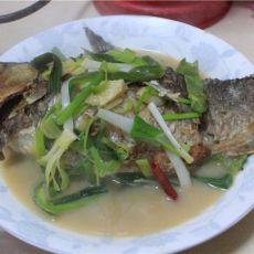 鲫鱼包鱼籽肉的做法