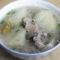 山药板栗排骨汤的做法