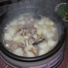 排骨萝卜清汤火锅