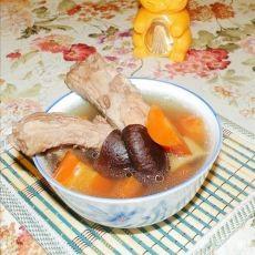 胡萝卜香菇排骨汤