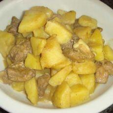 咖喱排骨焖土豆的做法