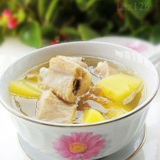 土豆排骨汤