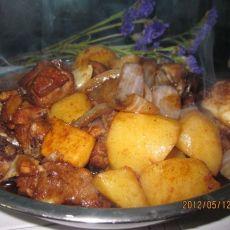 土豆洋葱烧排骨