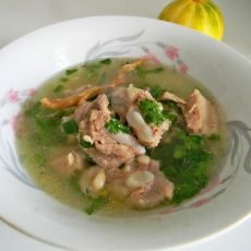 黄芪排骨汤的做法