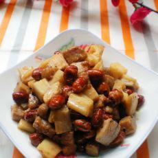 花生莲藕炒肉丁的做法