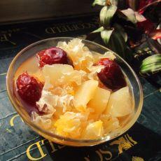 红枣银耳冰糖梨水
