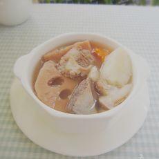 莲藕淮山猪骨汤的做法