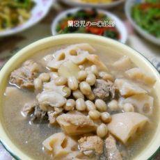 花生莲藕骨汤的做法