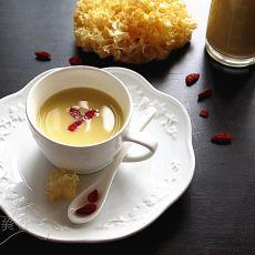 花生枸杞银耳牛奶露的做法