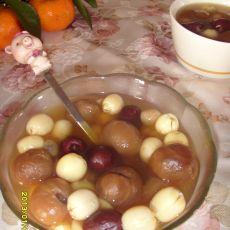 桂圆红枣莲子汤