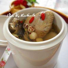 淮山芡实莲子炖柴鸡的做法