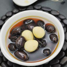 鹌鹑蛋红枣糖水的做法