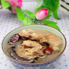 干蘑菇脊骨汤的做法