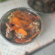 胡萝卜红烧肉的做法