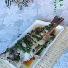 葱油清蒸鲈鱼的做法
