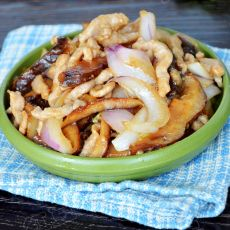 洋葱香菇炒肉丝的做法