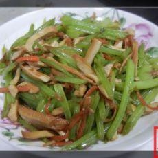10分钟家常菜――胡萝卜丝小芹菜香干