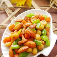 大杏仁肉粒蔬菜丁
