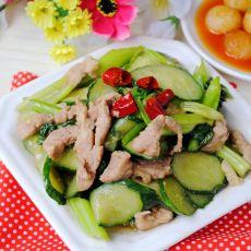 芹菜黄瓜炒瘦肉的做法