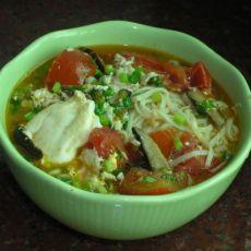 香菇番茄汤面的做法