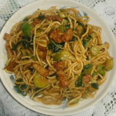 青菜炒面的做法