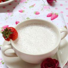 火龙果草莓奶昔