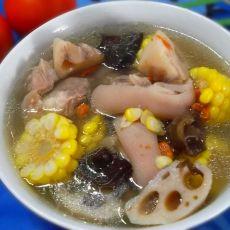 莲藕玉米炖猪蹄的做法
