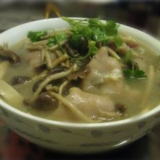 茶树菇炖猪蹄