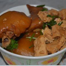 冰糖猪蹄炖豆腐的做法