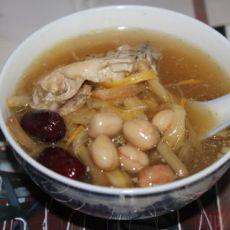 金针花生鱼尾汤